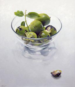 Stilleven met walnoten in glazen schaal